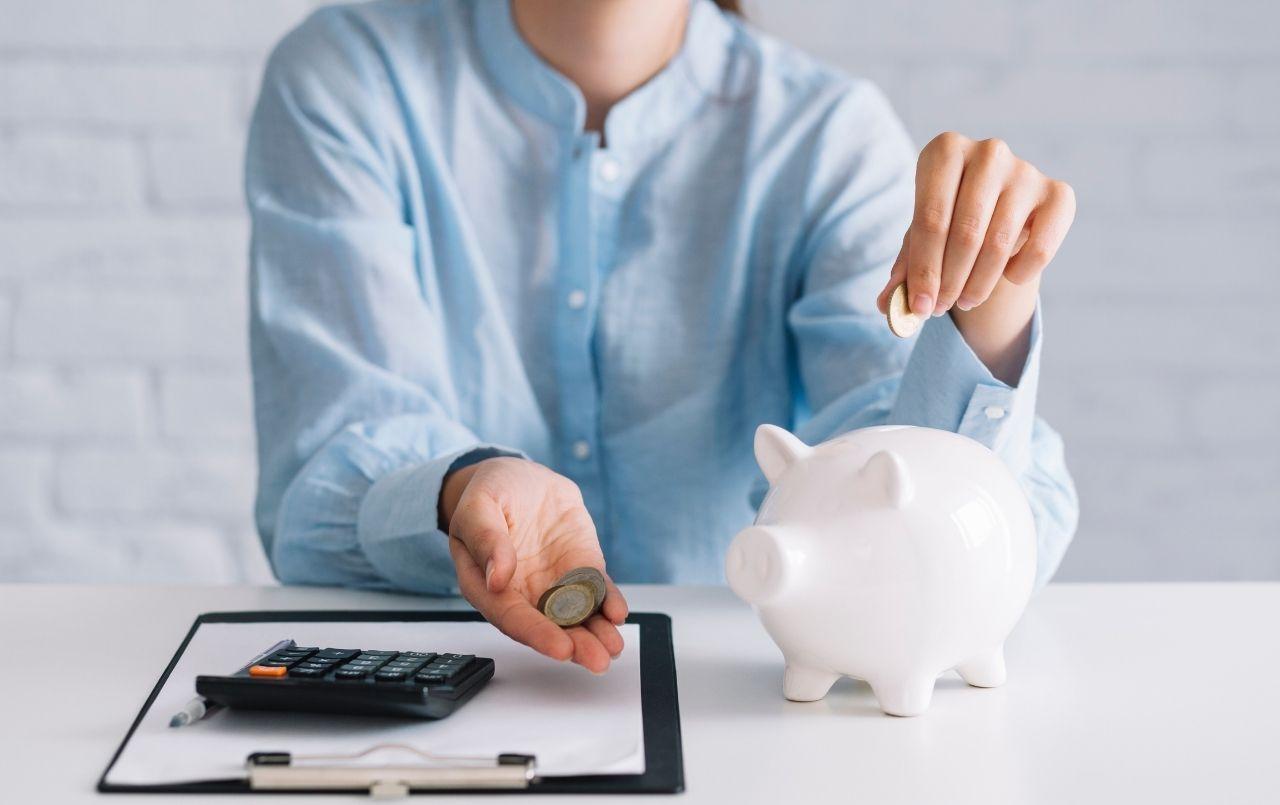 Vale a pena guardar dinheiro na poupança?