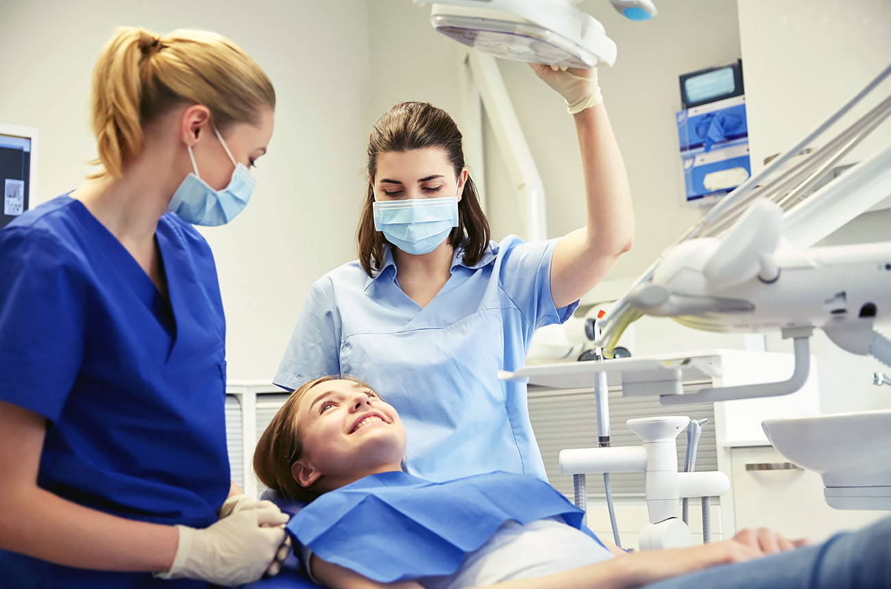 Thinking of Becoming a Dental Assistant? Here's What You Need to Know.