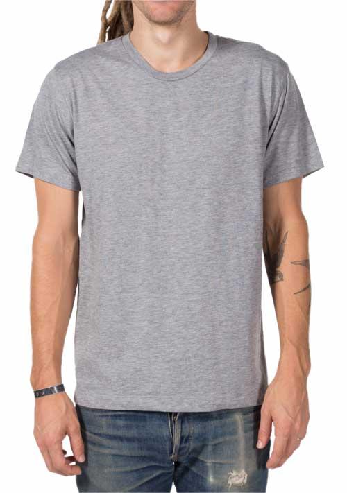 man wearing grey tricks-blend t-shirt