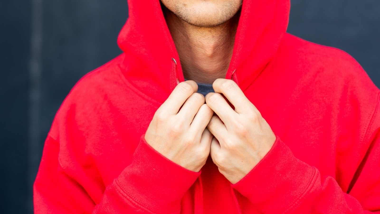 Hoodies vs. Sweatshirts: Which is Right For You?