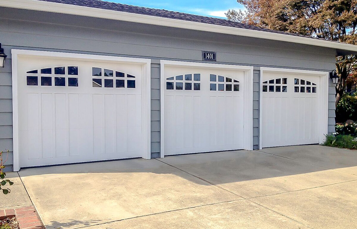 Custom Wood Craftsman RW Garage Doors