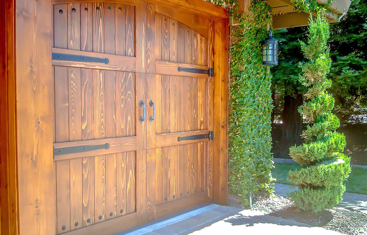 Custom Carriage House Stain Grade RW Garage Doors