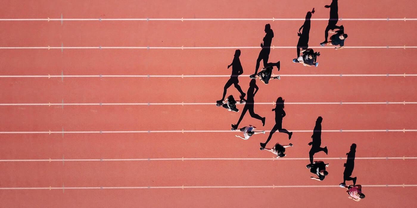 Training auf der Laufbahn | Steven Lelham - Unsplash