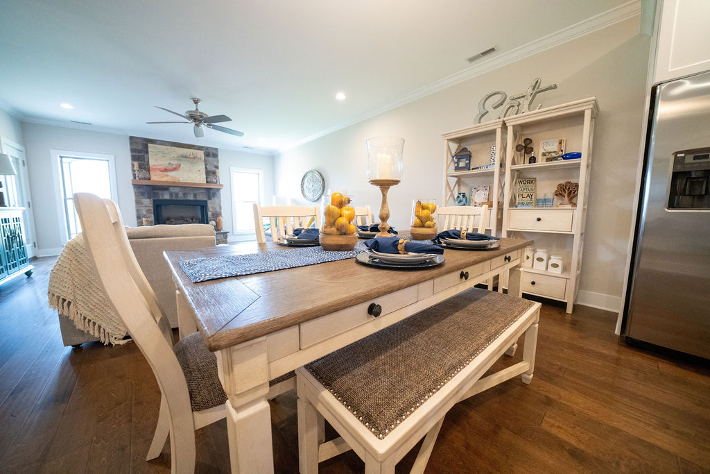 Dining table with dinner set in town house