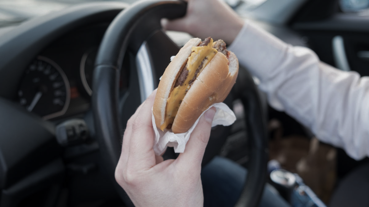 Is food I eat while driving for Uber tax deductible? 🍔