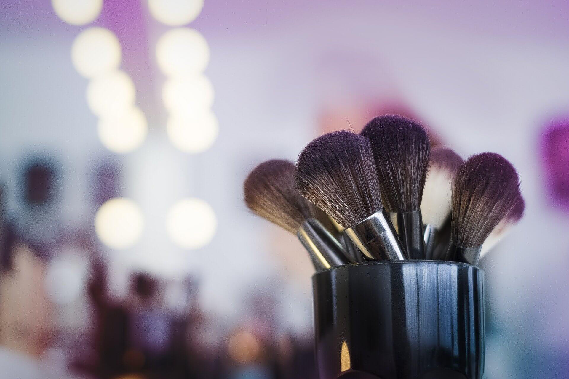 How To Easily Take Care Of Your Freelance Makeup Artist Taxes