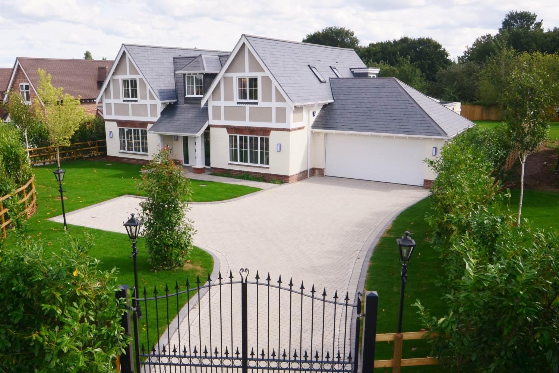 bellwood-homes-berkshire-our-work-developers-ascot-design-view1.jpg