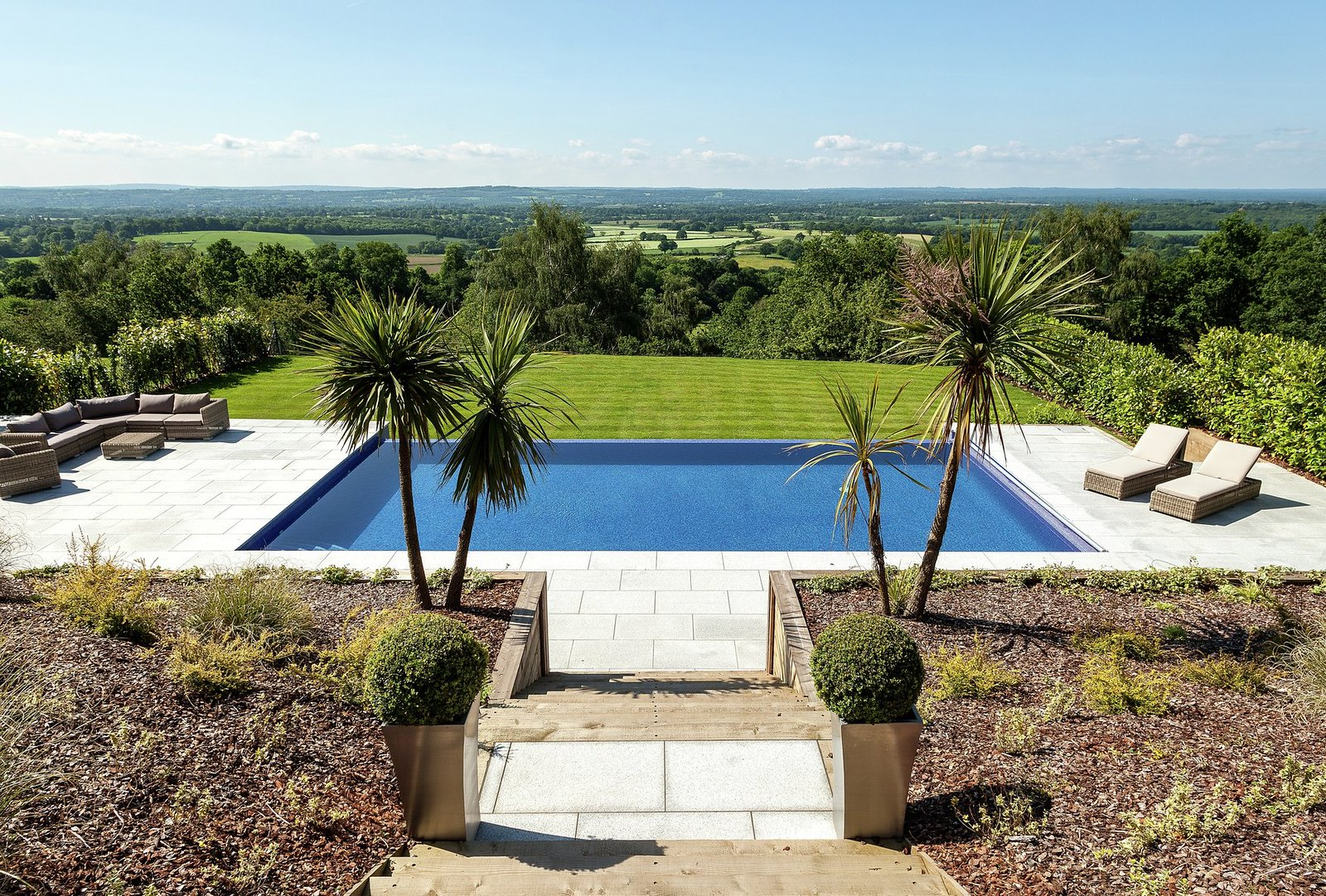 trevereux-hill-oxted-our-work-private-clients-ascot-design-view8.jpg