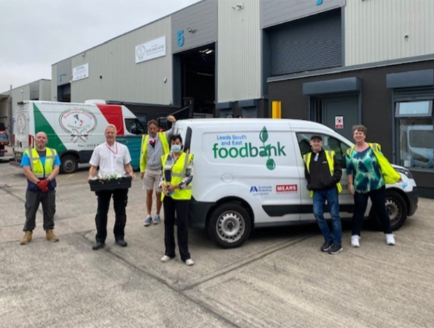 Mears colleagues working with a local food bank