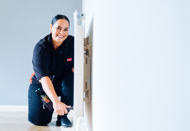 From early gender stereotyping to blatant sexism in the workplace to protective clothing that simply isn't made for women, there are many complex reasons for the low numbers of women in the maintenance and construction industry. However, 30-year-old Tanisha Mckay from Tower Hamlets has been Mears Tradeswoman for 12 years and is inspiring young women to follow her footsteps and shatter gender stereotypes.