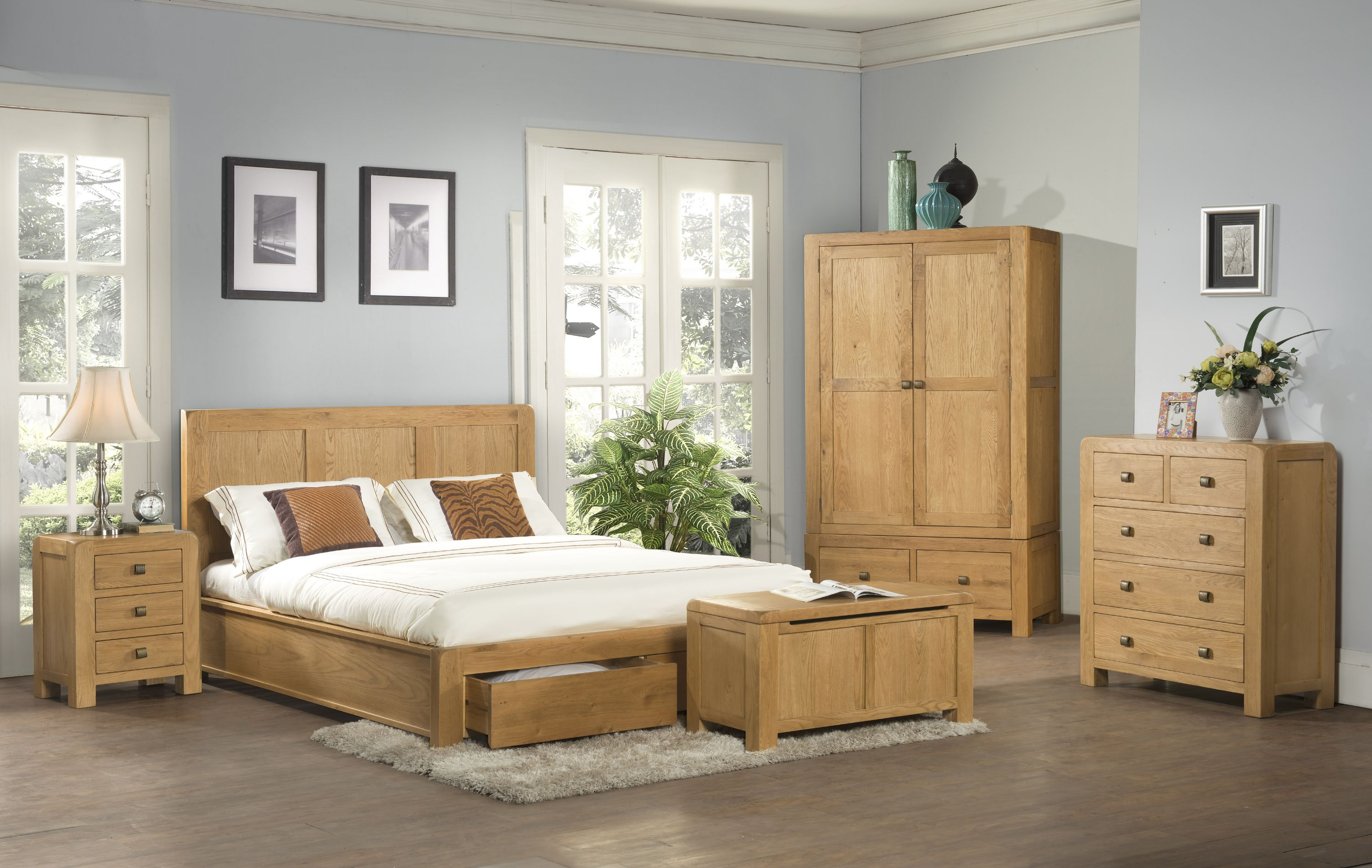 Devonshire Pine - DAVENPORT - Bedroom