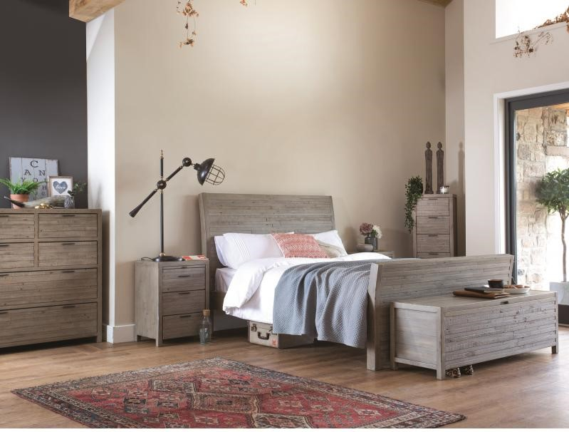 TUSCAN 135cm Bedstead