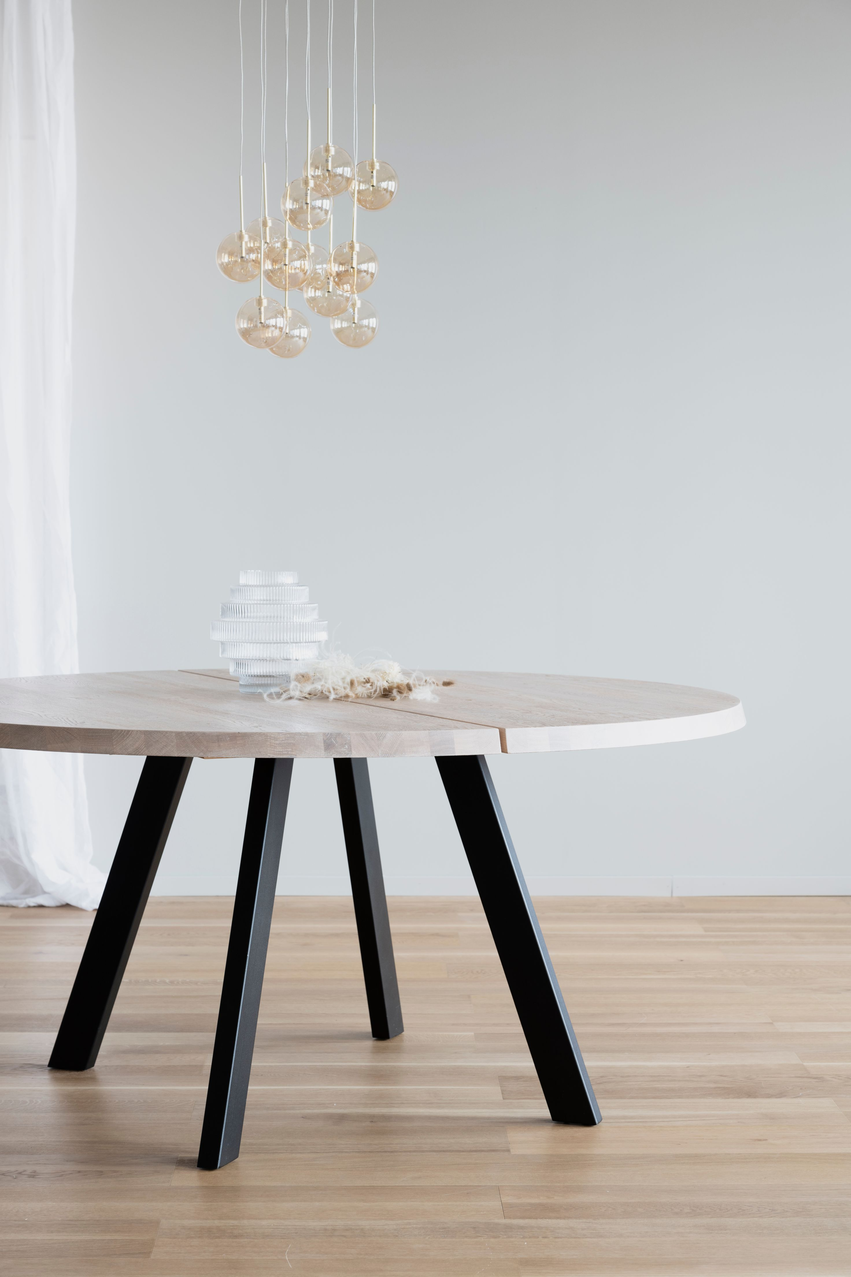 FRED LIGHT OAK Round Dining Table