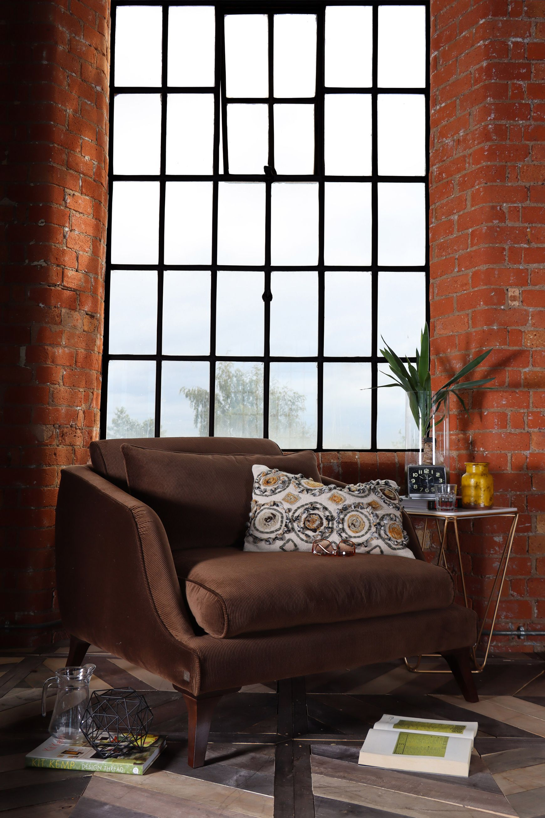 TETRAD - Carnaby Snuggler Chair