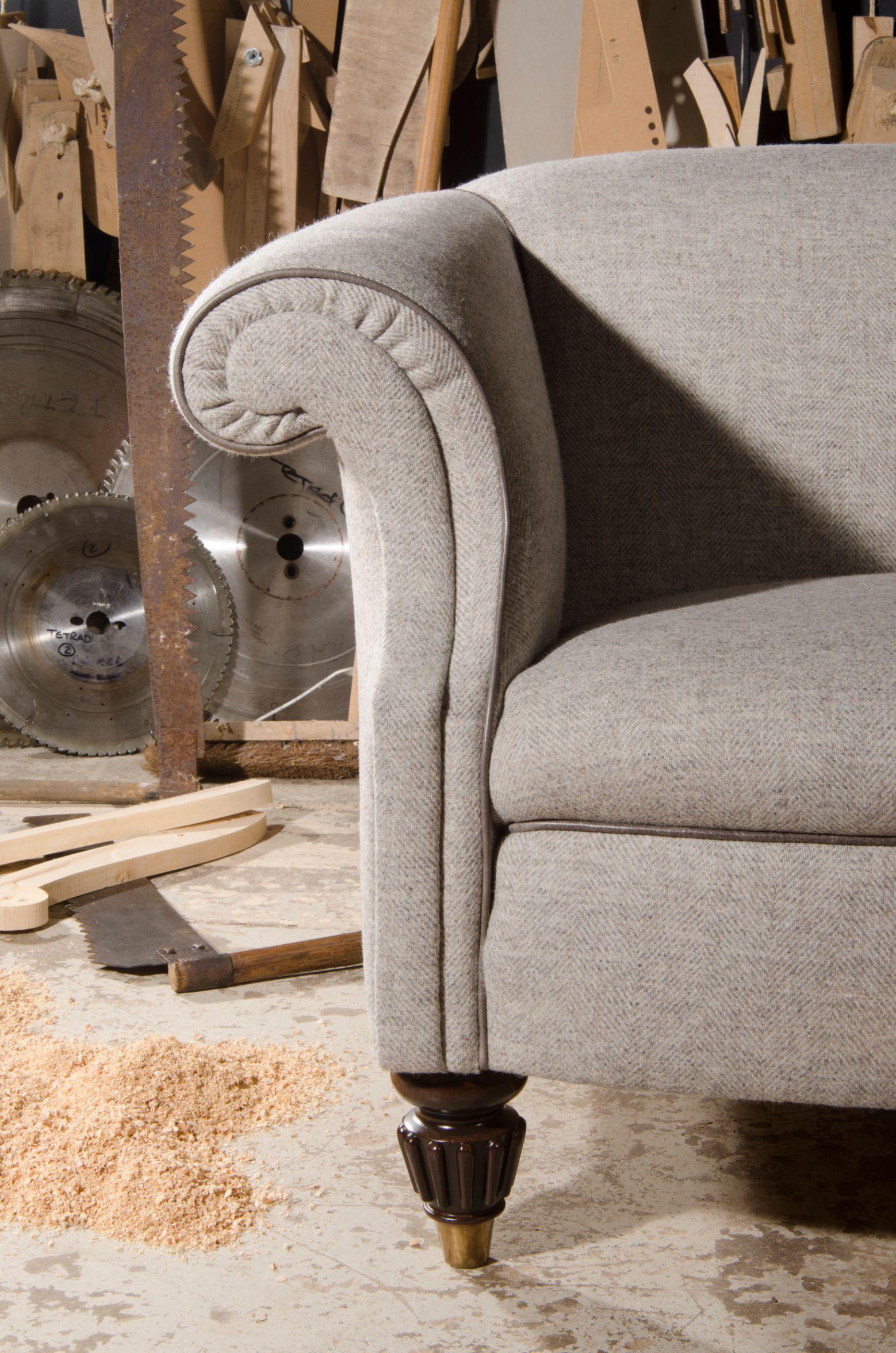 TETRAD - Bowmore Petit Sofa