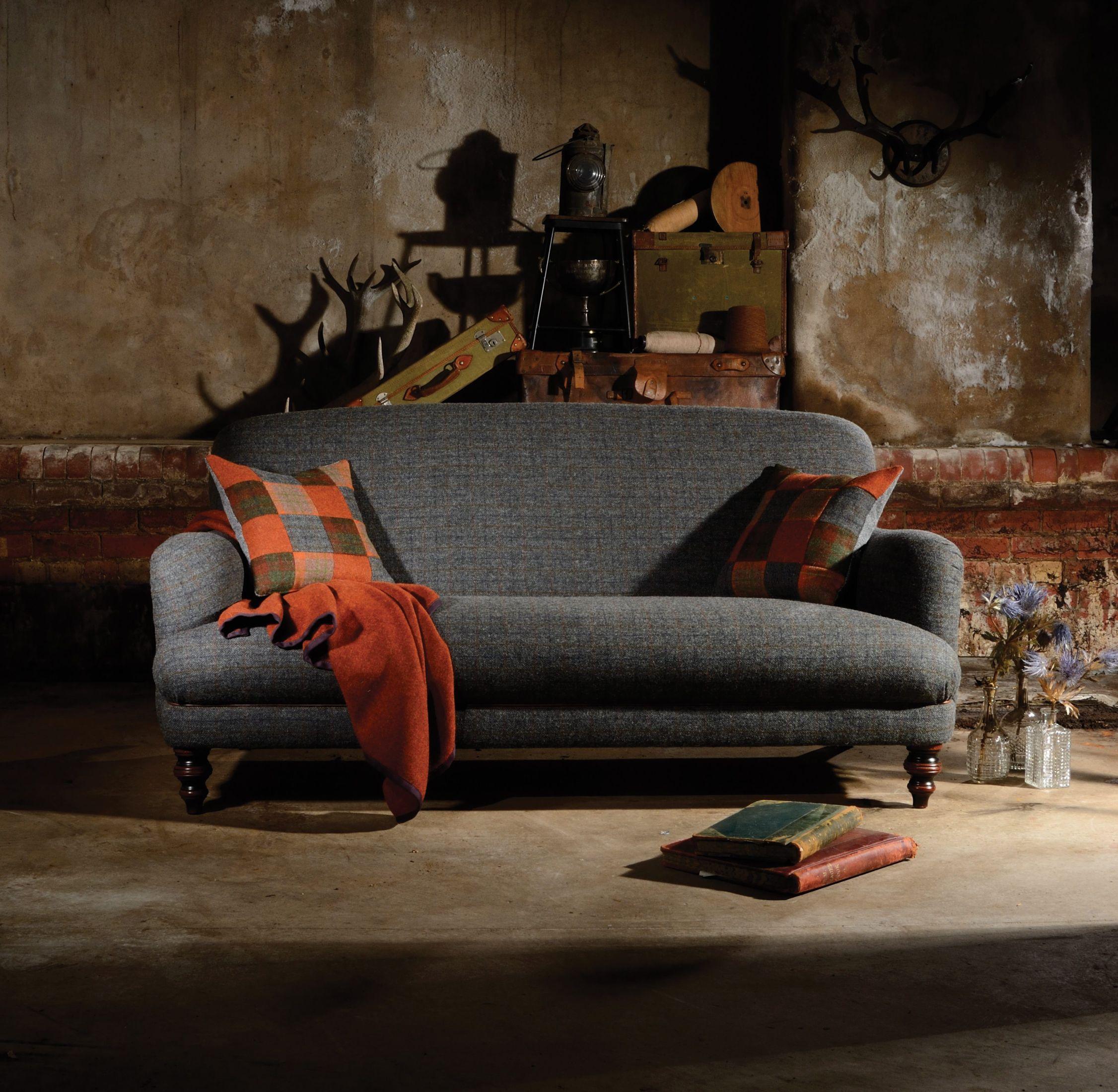 TETRAD - Braemar Petit Sofa