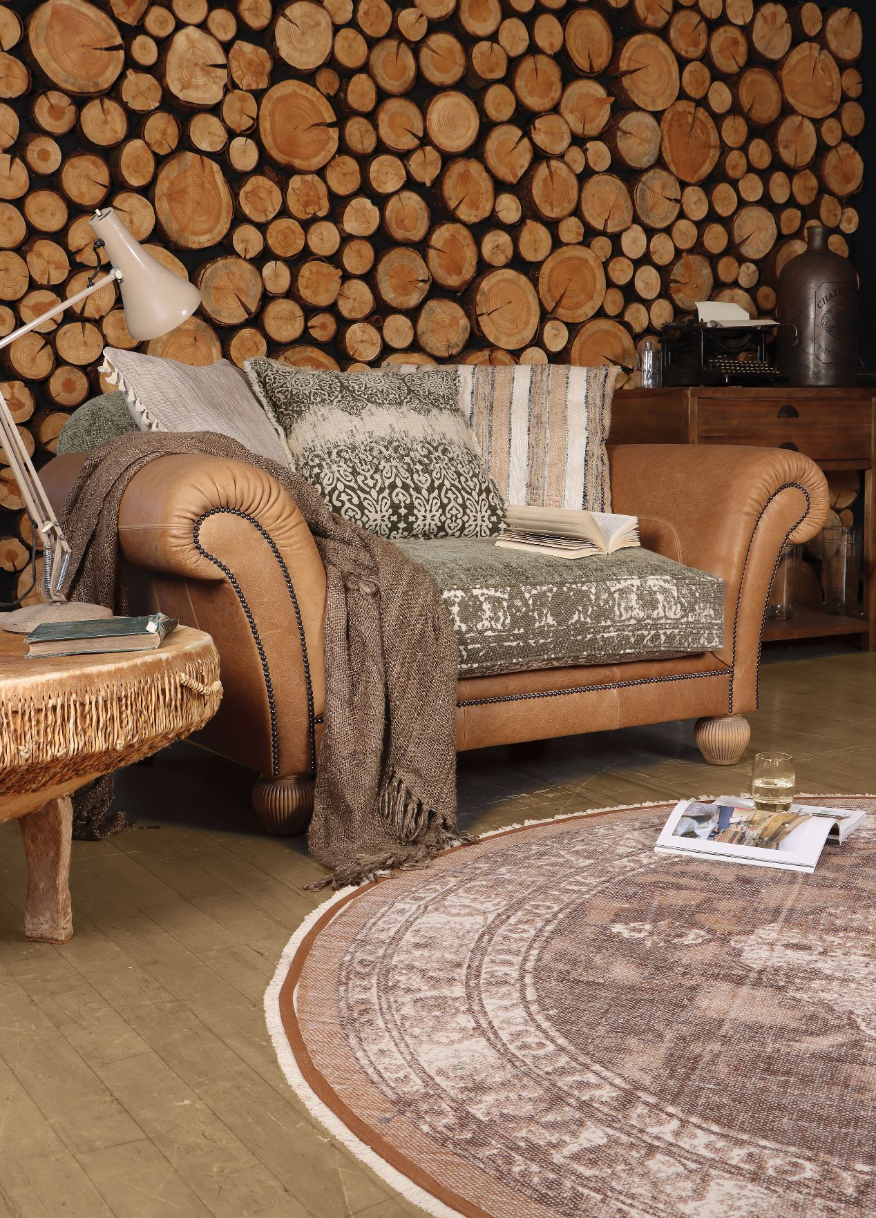 TETRAD HERITAGE - Montana Snuggler Chair