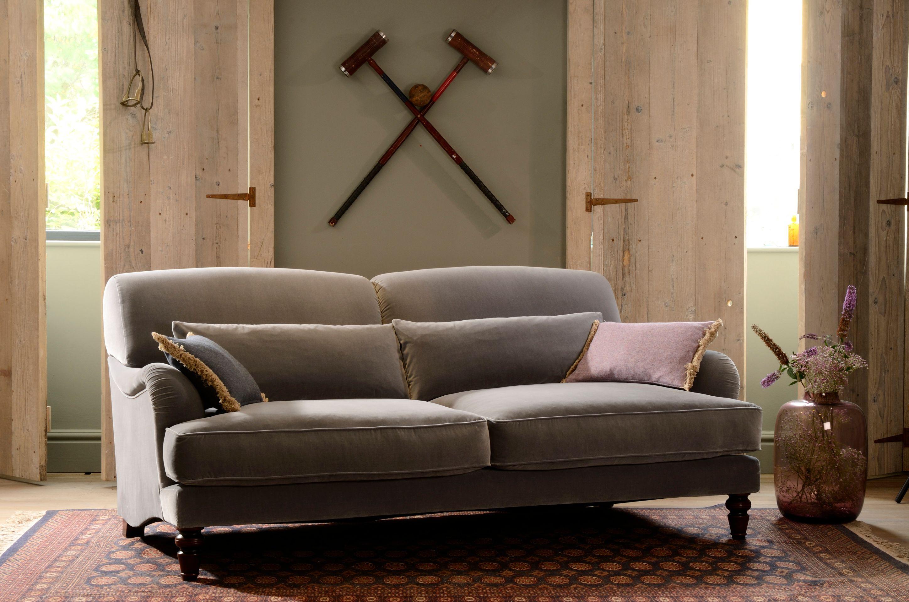 TETRAD HERITAGE - Windermere Petit Sofa