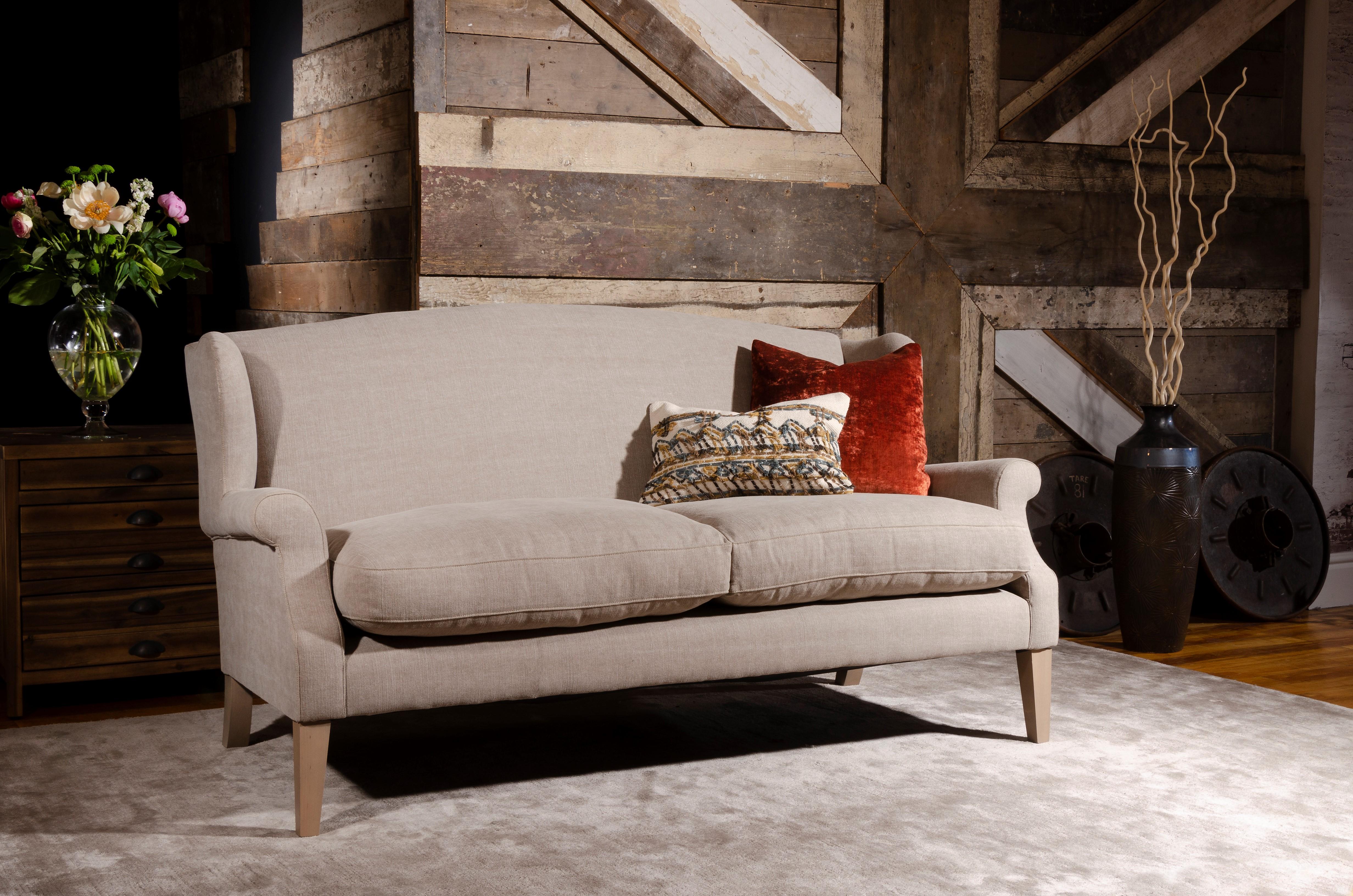 TETRAD HERITAGE - Long Island Petit Sofa