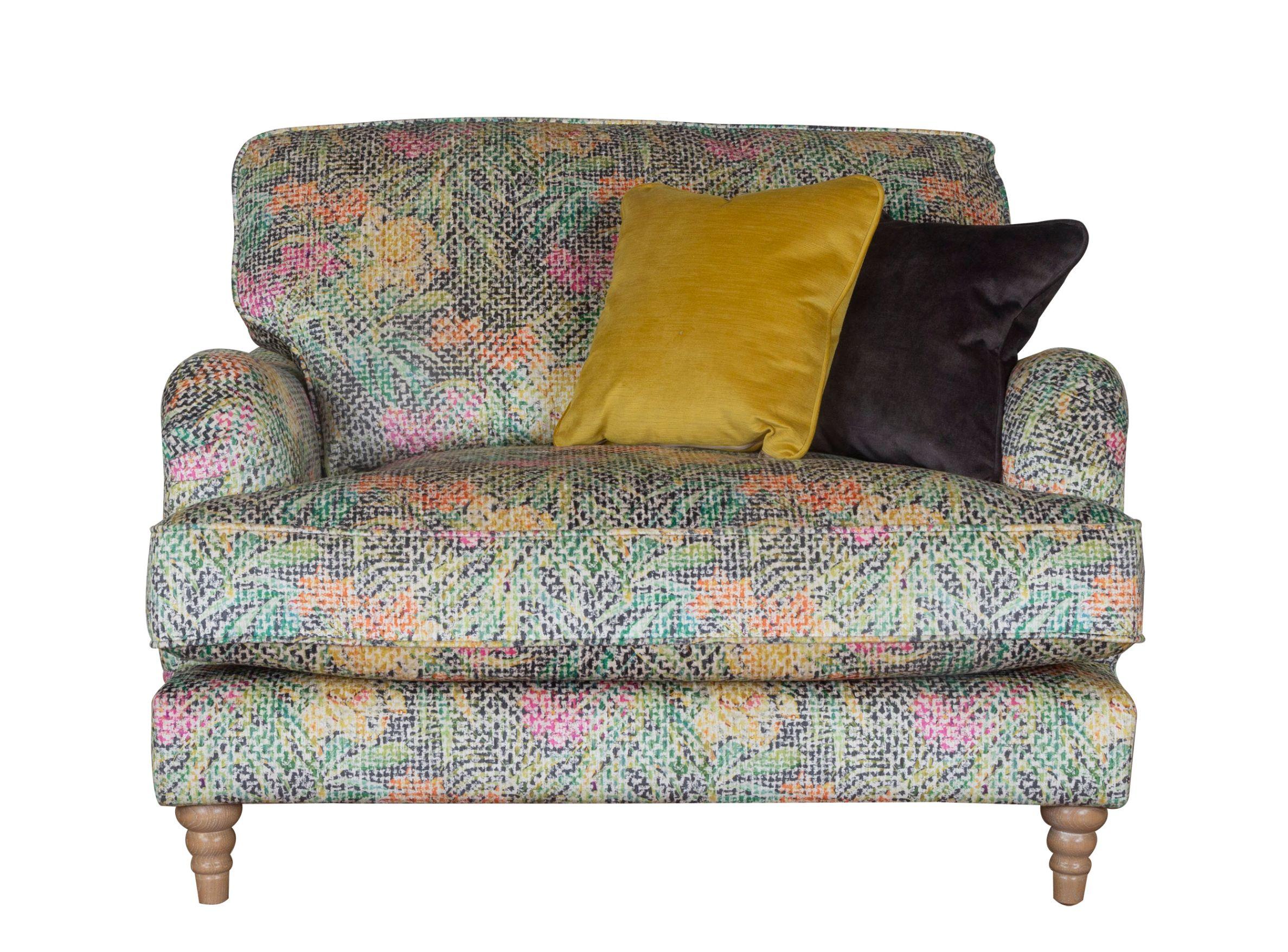 Beatriz Love Chair