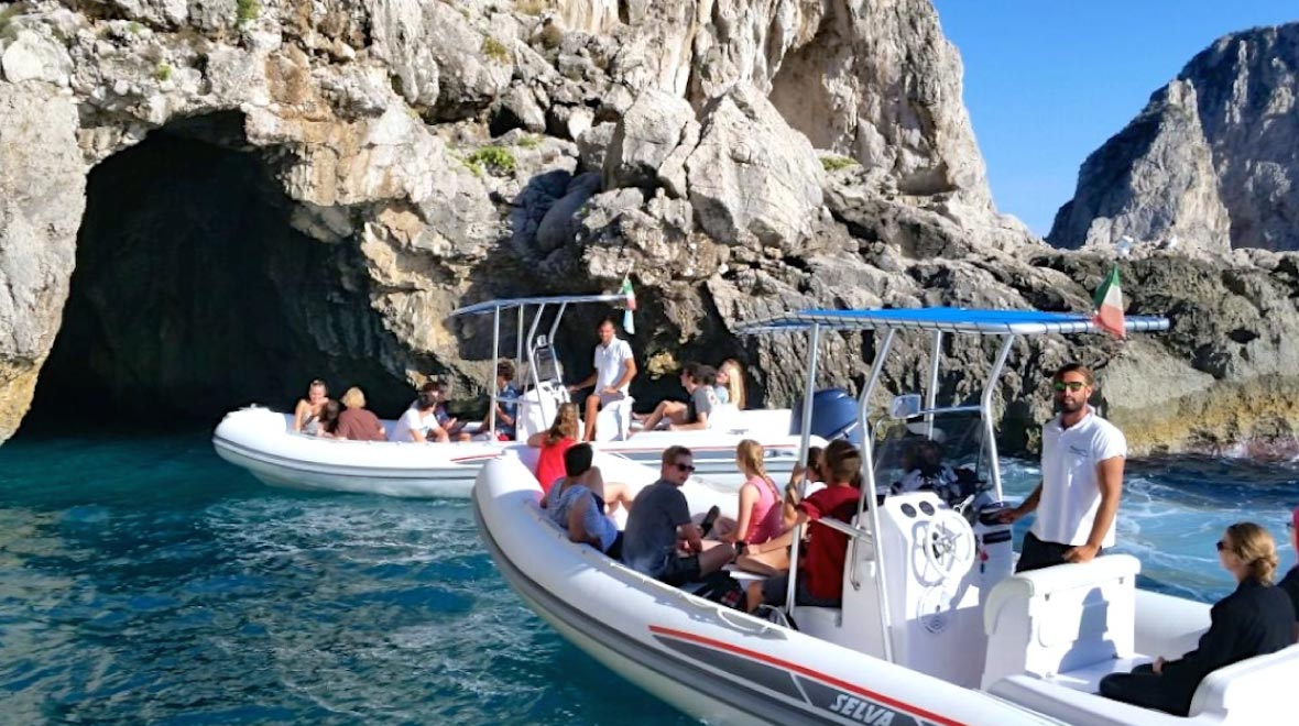 Boat trip to the Isale Of Capri