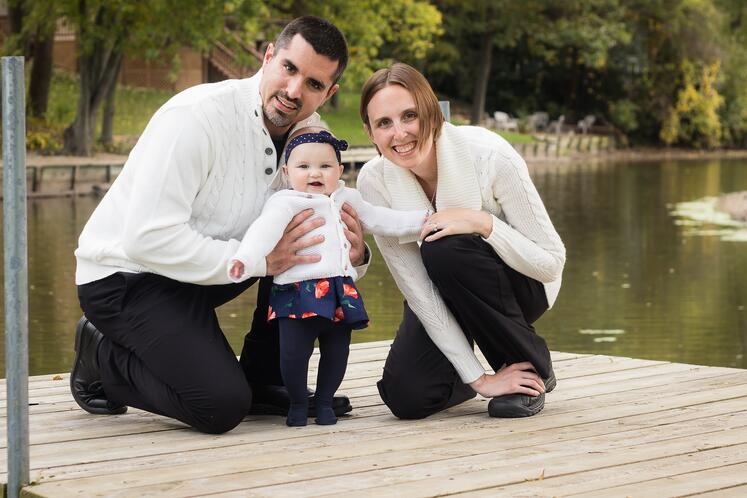 Mxaimo-CMMS-AKWIRE-Trainer-With-Family.jpg