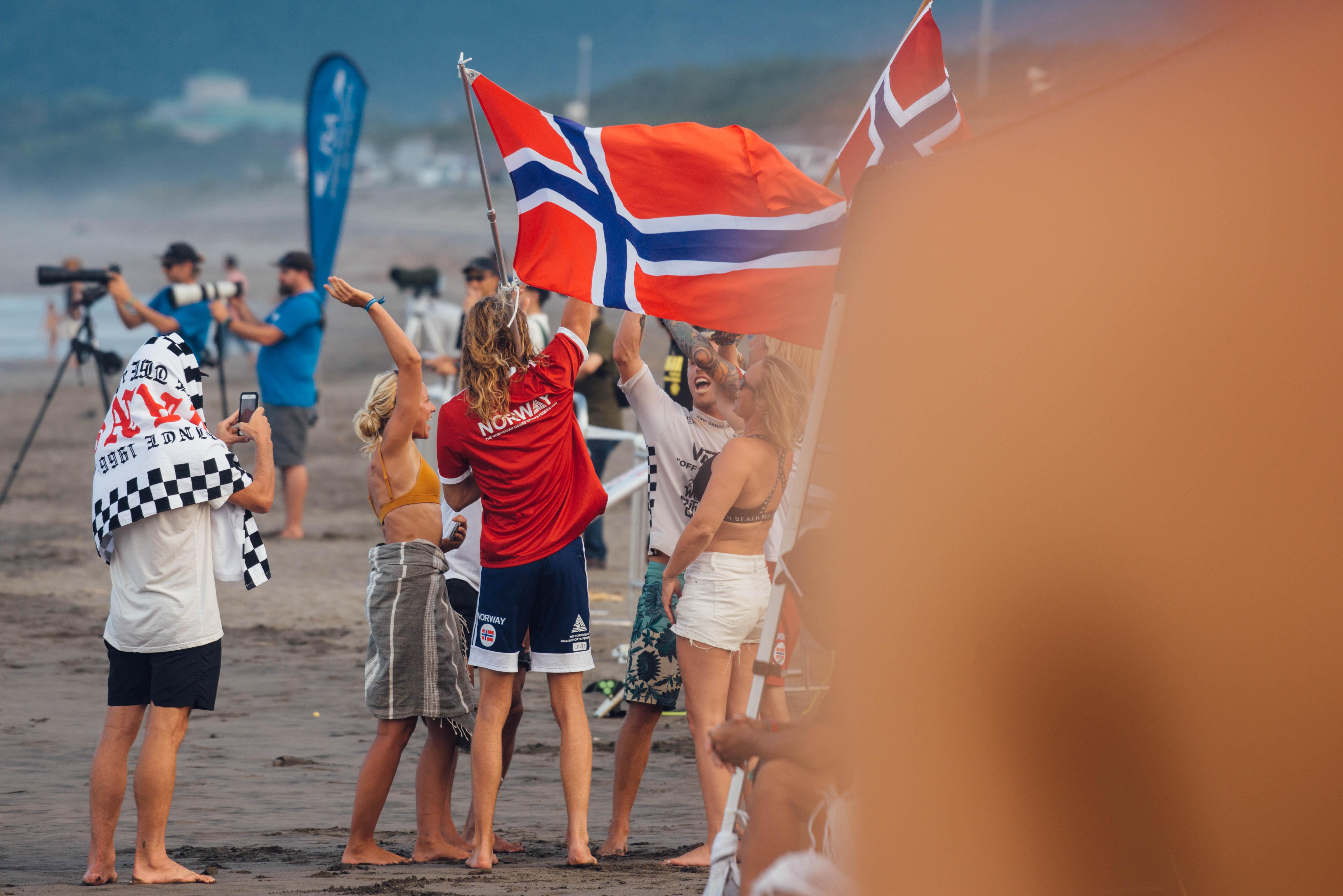 Se bildene fra VM i Surf 2019!