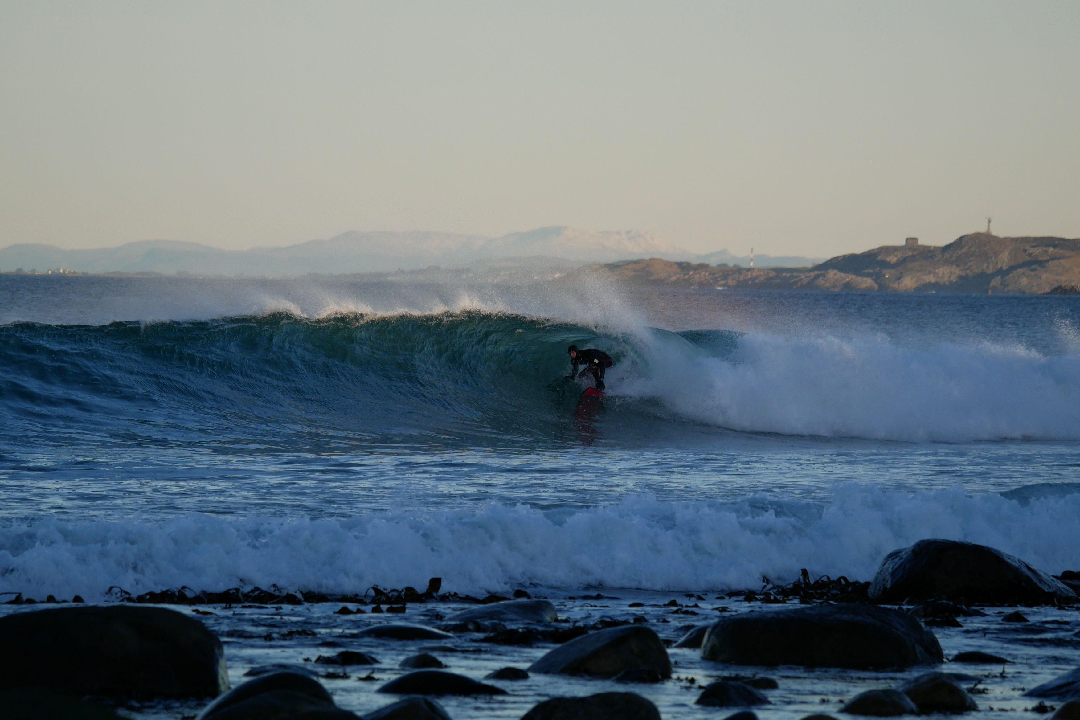 Surfekonkurranse 17. mai - 17. juni.