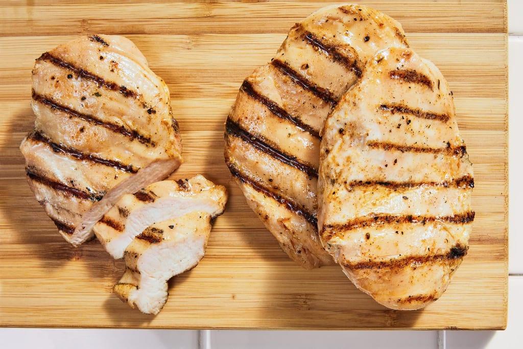 3 Grilled Chicken Breasts (9.75 oz)