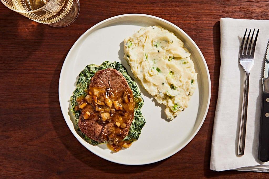 Bistro-Plate Top Blade Steak