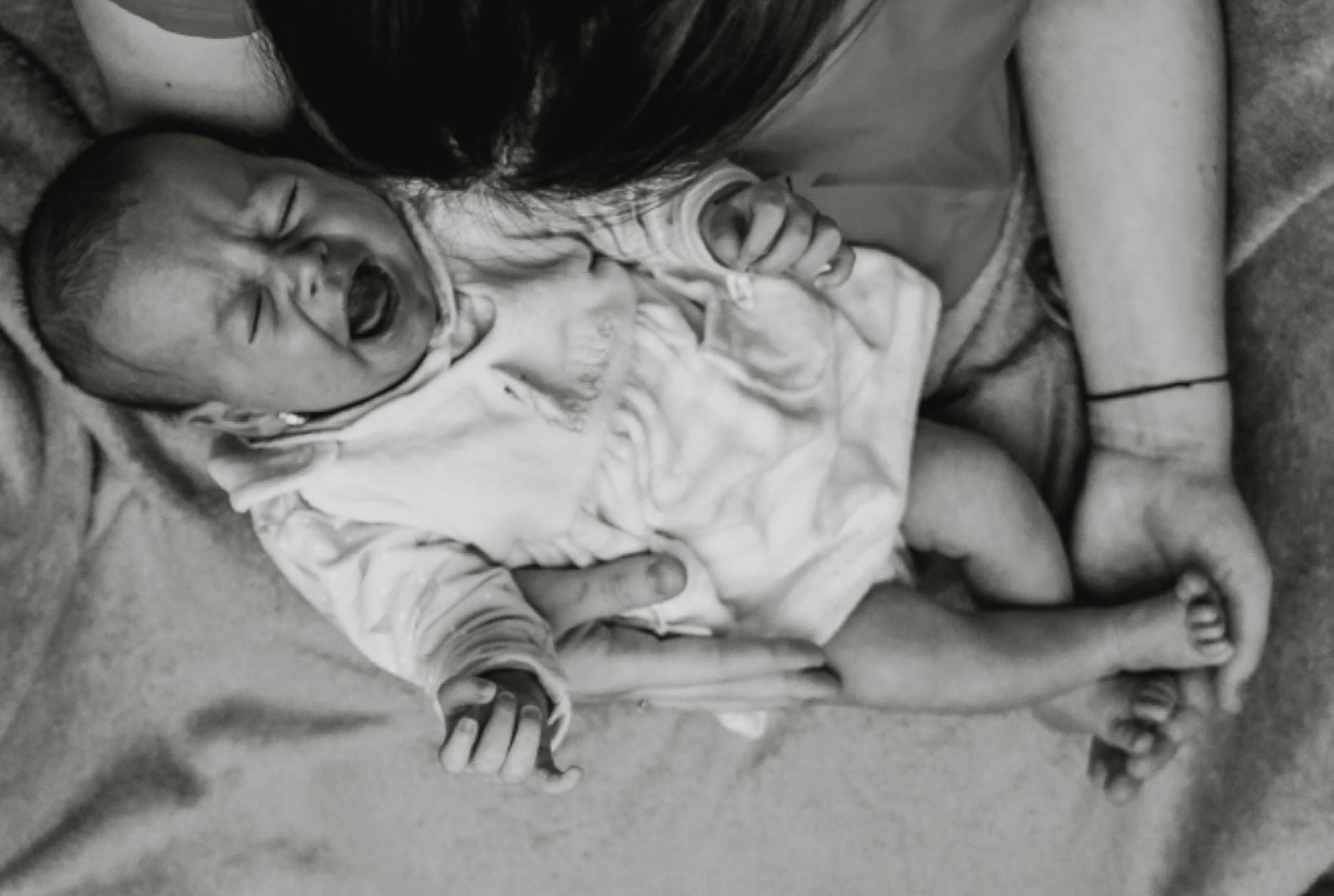 Il pianto del neonato con le coliche