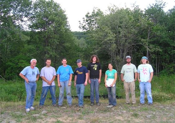 Group picture of geoscience students in the field