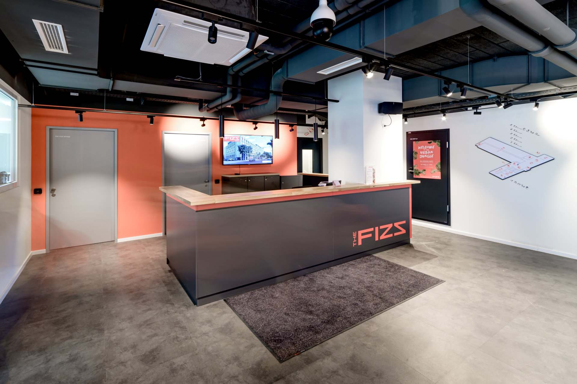 Entrance and reception at THE FIZZ Vienna Main Station Student Residence