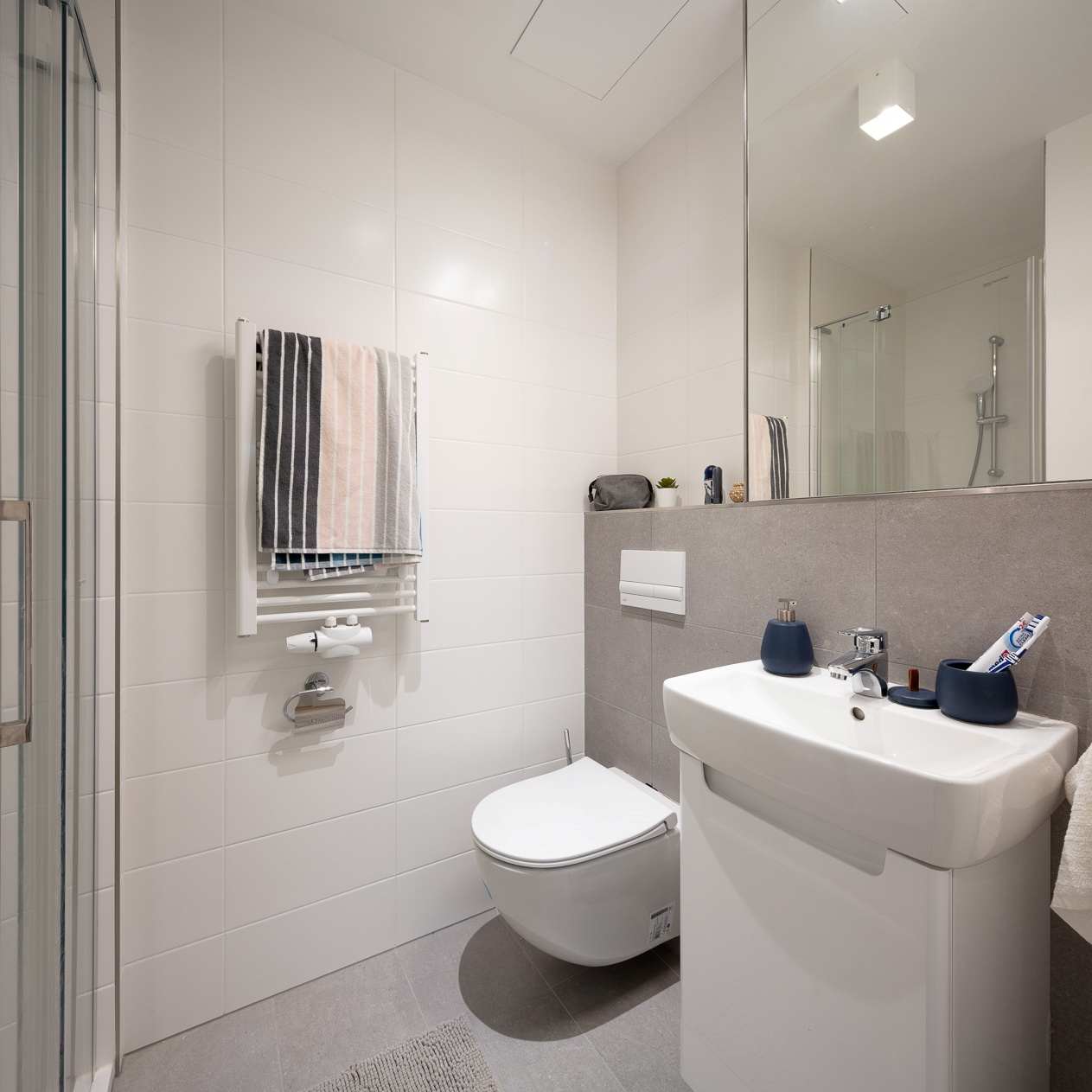 Student apartment with private bathroom at THE FIZZ Prague