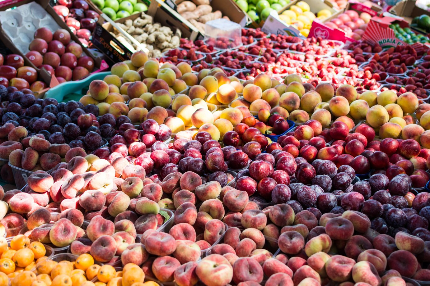Fresh fruits at Darmstadt's market place at the castle