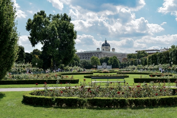 Volksgarten in Vienna, study oasis for students