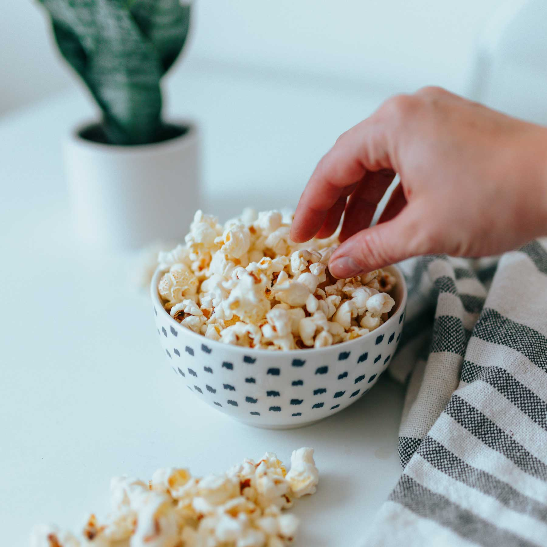 The Best Popcorn Maker for Netflix Marathons