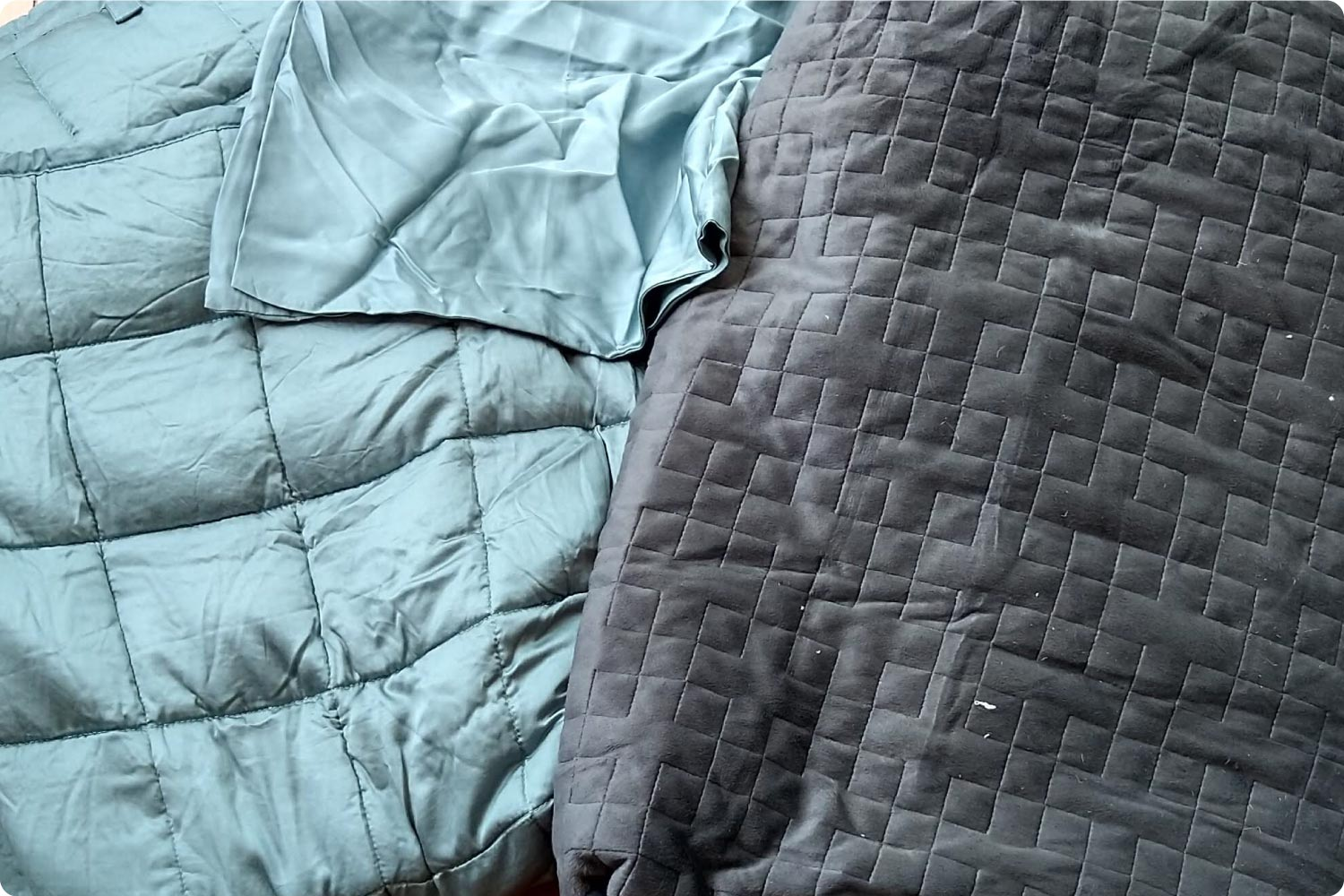 Minky and Bamboo weighted blankets side by side