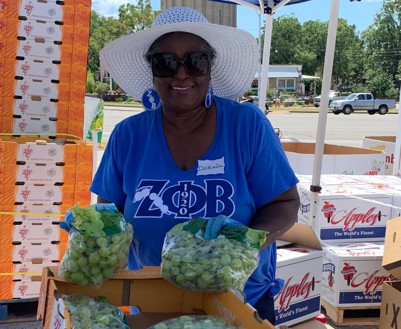 'Produce Drop and Community Resource Roadshow' helps food-insecure families