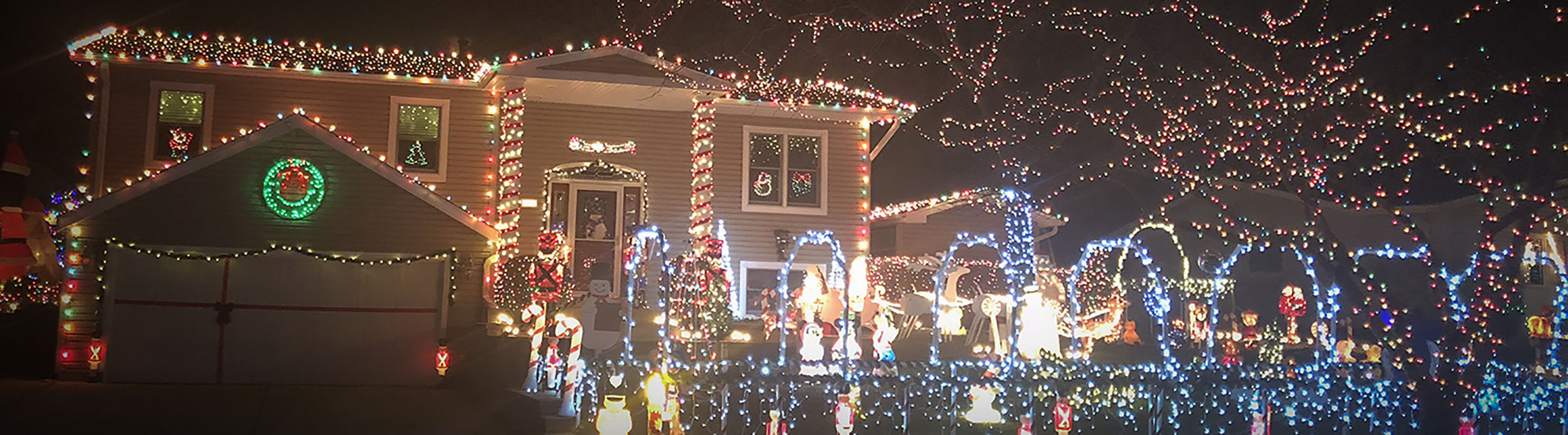 Shine the brightest for Holiday House Decorating Contest!