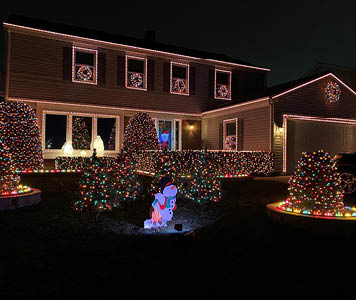 Holiday House Decorating Contest Voting