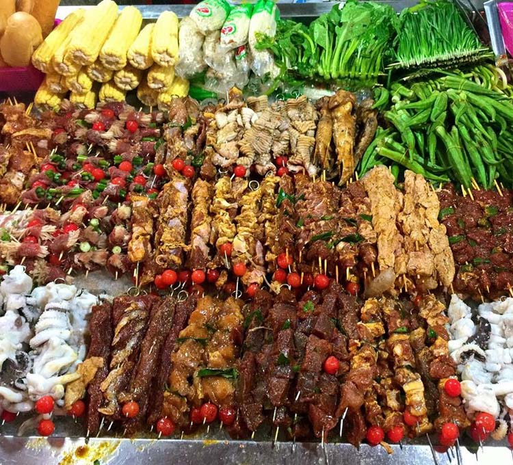 Hang-buom-Hanoi-nightlife