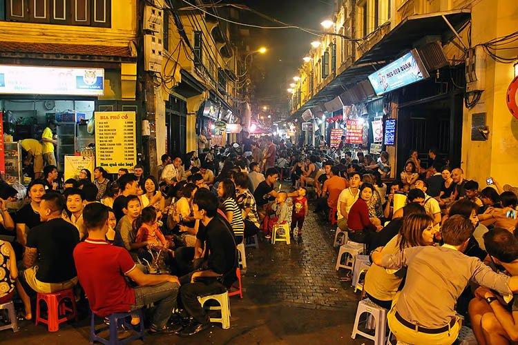Ta-Hien-Hanoi-nightlife