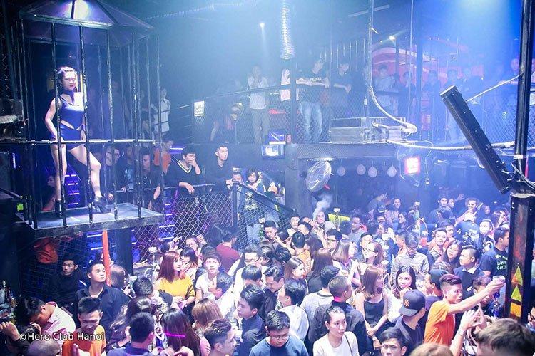 hero-club-hanoi-night-life