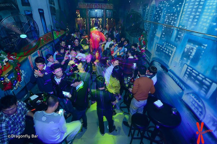 dragonfly-bar-hanoi-nightlife