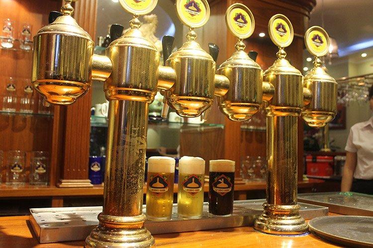 Craft-Beer Club-Hanoi-nightlife