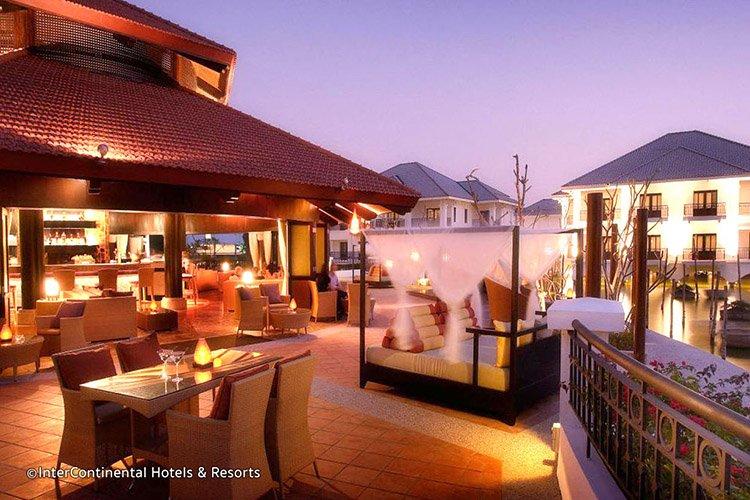 sunset-bar-intercontinental-Hanoi-nightlife