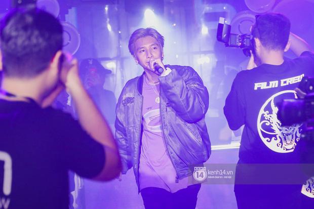 1 ngày sau khi bị loại, Binz rủ rê 16 Typh cùng rap Bigcityboi trên sân khấu, nguyên dàn thí sinh Rap Việt bất ngờ đến chung vui! - Ảnh 6.