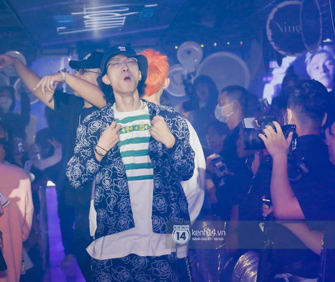 1 ngày sau khi 16 Typh bị loại, Binz rủ rê học trò cùng diễn Bigcityboi, nguyên dàn thí sinh Rap Việt bất ngờ đến chung vui! - Ảnh 10.