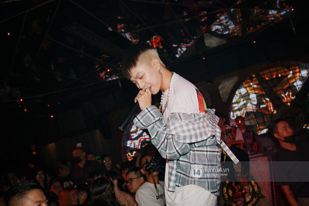 Ricky Star tái đấu R.Tee cực căng trong đêm Halloween, lần đầu diễn live Con Nhà Người Ta và đi đường quyền trực tiếp! - Ảnh 13.